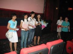 Thúy và các khán giả nữ thắng giải